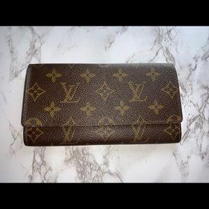 Preowned authentic vintage Louis Vuitton wallet